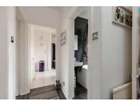 Large room in Prestonfield Edinburgh EH16