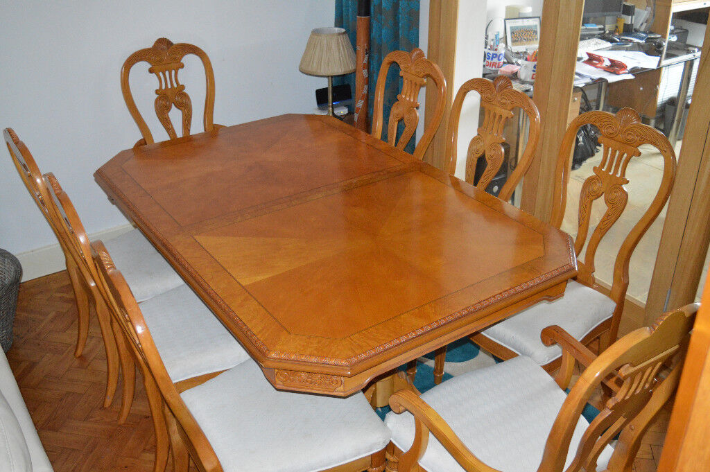 French Polished Double Pedestal Dining Table With 2 Carver Chairs And 6 For Sale