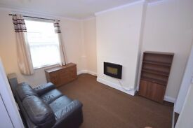 * 1 BED FLAT FULLY FURNISHED * INC WATER * GOOD LOCATION