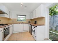 2 bedroom flat in Brampton Park Road, Wood Green