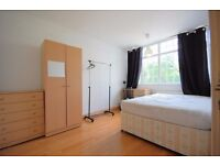 BOW, E3, SPACIOUS 3 BEDROOM APARTMENT