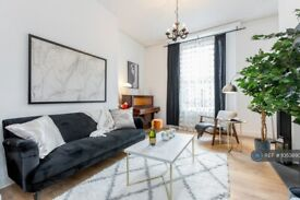 3 bedroom flat in Holland Road, London, W14 (3 bed) (#1053890)