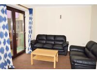 NO ADMIN FEE!!! CALL TODAY LARGE THREE BEDROOM FLAT AVAILABLE NOW IN GREEN STREET/ QUEENS ROAD