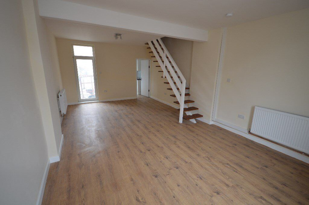 Beautiful 3 bed house in Chadwell heath on High Road