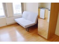 LOVELY COSY STUDIO FLAT IN EXCELLENT CONDITION LOCATED IN THE HEART ACTON AVAILABLE NOW!