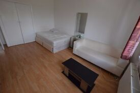 spacious double room - all bills included and fully fully furnished - 190 per week