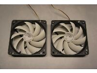 2 x Arctic Cooling F12 3-pin 120mm Fans