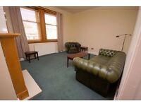 Delightful 2 bedroom upper villa in Lochend available January – NO FEES