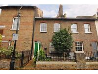 2 Double Bedrooms - Furnished/Unfurnished - Private Garden - Furnished/Unfurnished - Available July