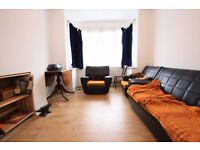 SPACIOUS 3 BEDROOM IN THORNTON HEATH!!