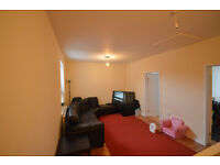 Spacious 2 bedroom flat to rent on Green Lane, Goodmayes, DSS welcome