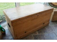 antique x- large wooden solid pine chest/trunk/box/storage/kisk with drawer