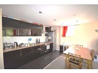 Amazing 2 double bedroom & 2 bathroom apartment with stunning balcony now available in Canning Town!