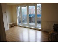 Large double room with big balcony in Hornsey, Islington available now