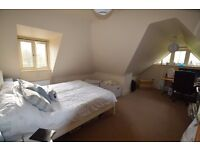 Bright and Airy one bedroom maisonette house located in Bromley North