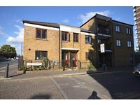 **REFURBISHED 3 DOUBLE BED HOUSE IN CARR ST, STEPNEY GREEN. PERFECT FOR STUDENTS & FAMILIES**