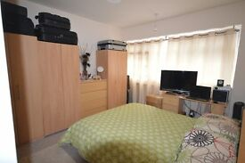 3 BED FLAT IN CROSSHARBOUR - MUSE SEE - E14