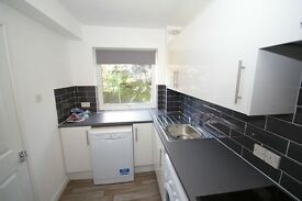 Fully refurbished first floor apartment with garage - 35 mins to London Victoria