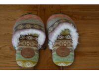 Ladies GAP slippers