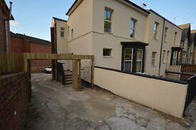 1 bed spacious flat close to city centre NO DEPOSIT Working Only NO DSS