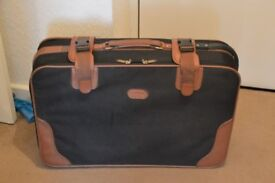 OLD STYLE CANVAS SUITCASE