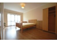 (SHARE) 1 BEDROOM FLAT AVAILABLE TO LET IN STEPNEY WAY, MASTER BEDROOM