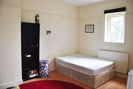 Double Room, Fully Furnished, close to St Pancres station. NW1
