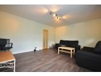 L@@K ------------- DSS 3 BED FLAT AVAILABLE NOW TO LET. STUDENT/FAMILY/PROFESSIONAL ALL ACCEPTED