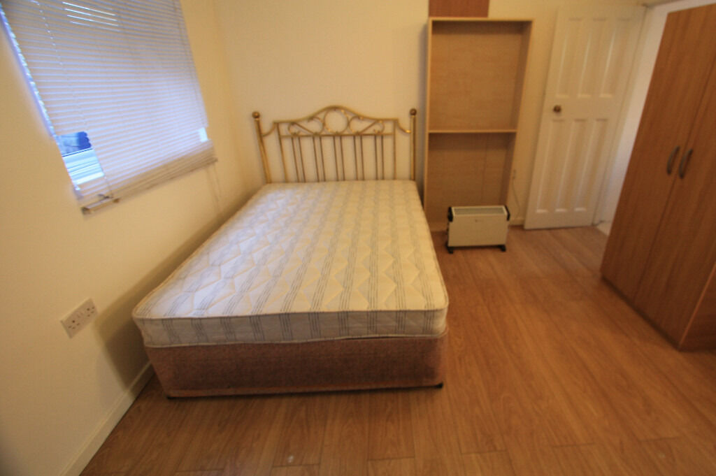 SPACIOUS STUDIO FLAT FOR RENT IN MITCHAM