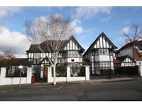 5 bedroom house in Western Avenue, Golders Green NW11