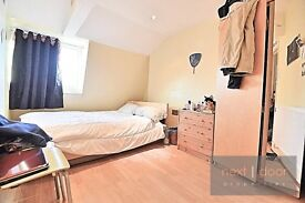 SPACIOUS 1 BEDROOM CONVERSION APARTMENT LOCATED MOMENTS AWAY FROM OVAL TUBE SW9