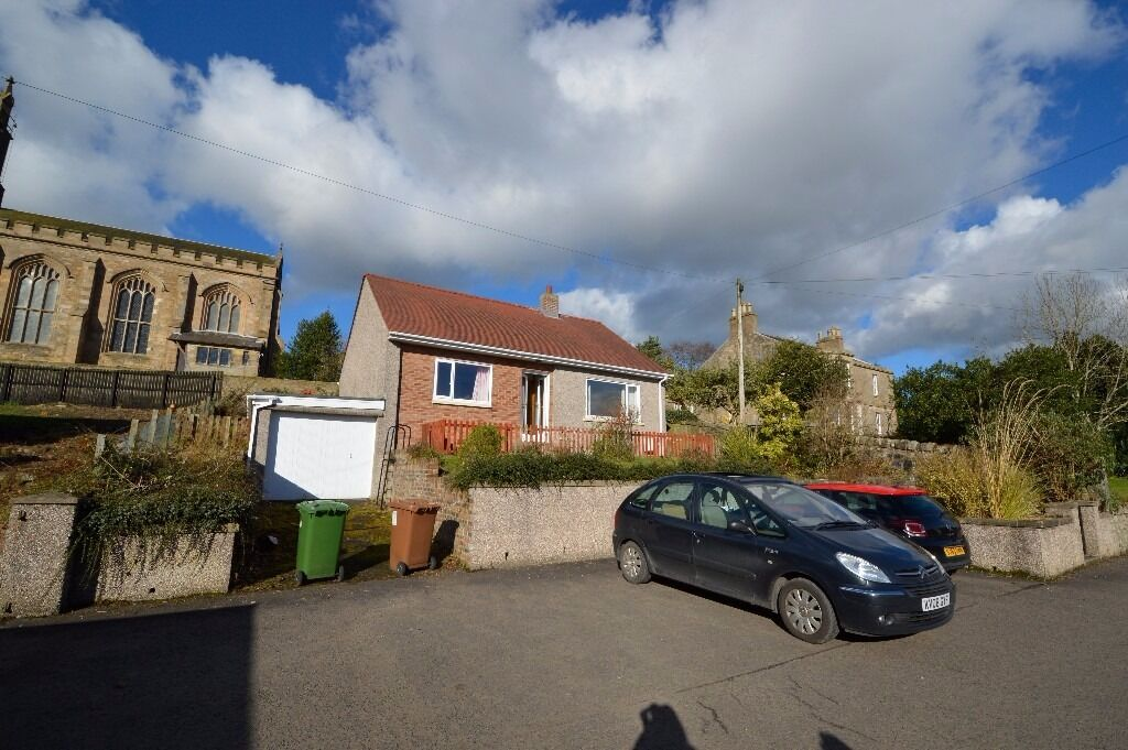 2 BED, UNFURNISHED DETACHED HOUSE TO RENT -
