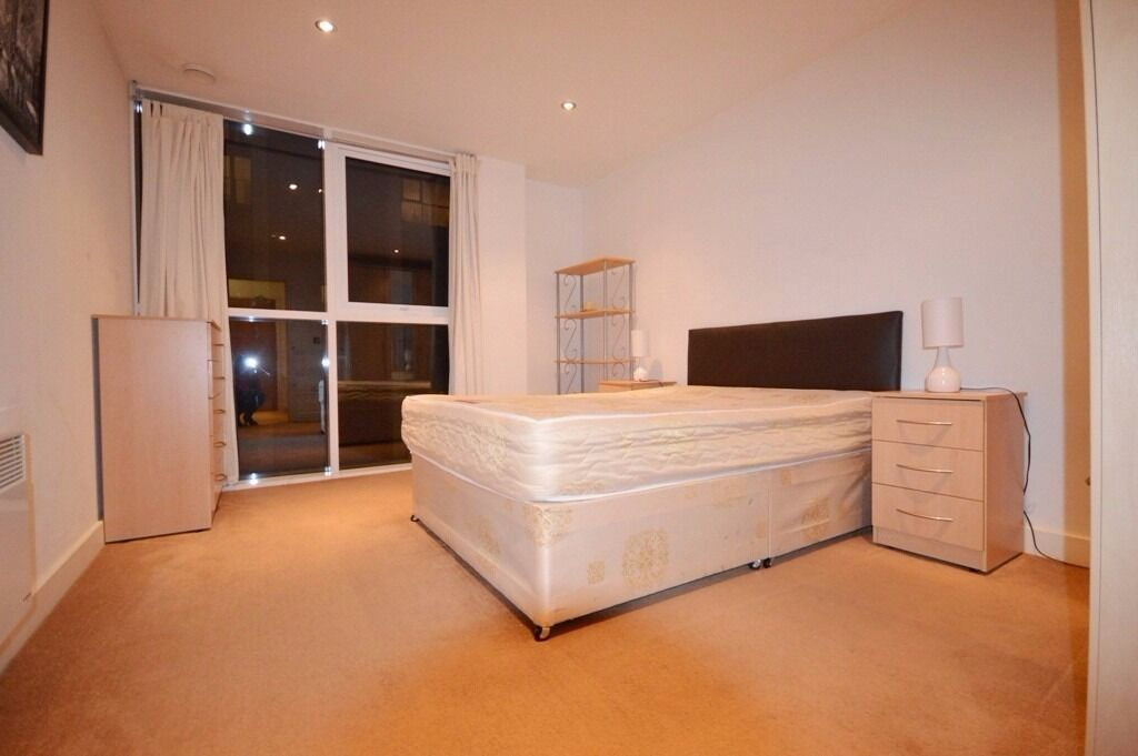 Modern 1 Bed Apartment With Easy Access Into The City