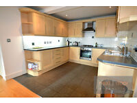 2 BEDROOM 2 BATH FLAT IN PRIVATE GATED DEVELOPMENT PRIVATE BALCONY IN CAMBERWELL OFF WALWORTH RD SE5