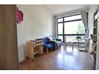 SPACIOUS ONE BEDROOM APARTMENT - CONVENIENTLY LOCATED MINUTES WALK TO FINSBURY PARK STATION!CALL NOW
