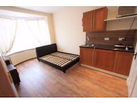 STUDIO FLAT FOR RENT IN CROYDON *** ALL BILLS INCLUDED ***