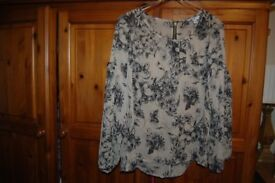 JOB LOT OF LADIES CLOTHES. COLLECTION FROM WHITBY. MIXED LOT.