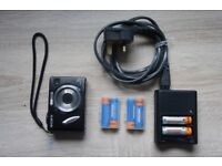 Sony Cyber Shot with Sony Battery Charger pack set