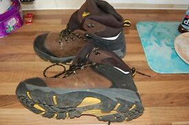 Work safety boots waterproof size 12 worn twice made by amblers