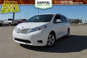 2016 Toyota Sienna LE  *Bluetooth *Heated Seats *Touchscreen