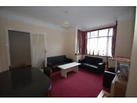 Comfortable furnished property in Merton Park close to all amenities and Transport SW19