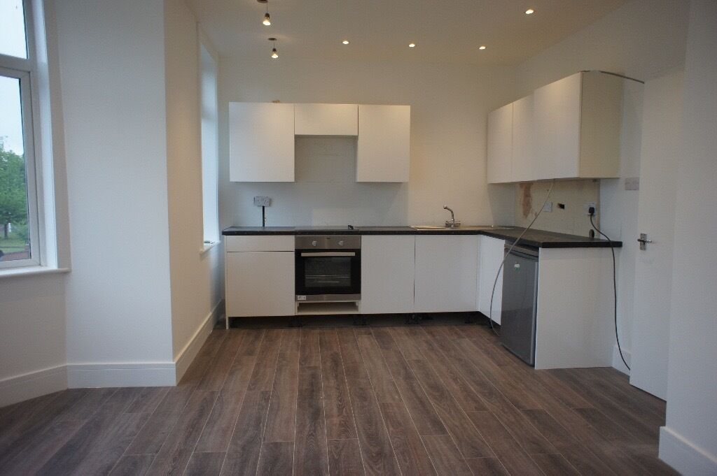 Bright & spacious One Bed flat located in Palmers green close to all local shops & public transport