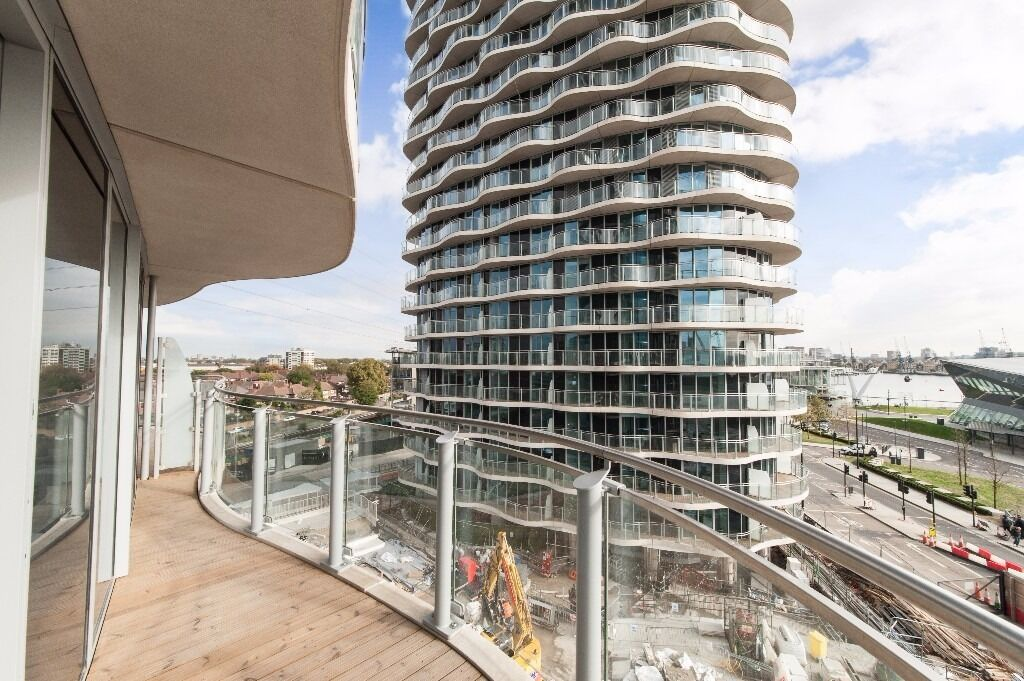 @ HOOLA - Stunning One Bedroom Apartments in the Heart of Royal Docks - Brand New - Must see!