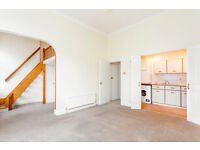 1 DOUBLE BEDROOM FLAT/OPEN PLAN LIVING WITH WOODEN FLOORS/GOOD STORAGE