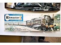 VINTAGE COLLECTABLE ROSEBUD KITMASTER AIRFIX HARROW MODEL RAILWAY 00 GAUGE SCHOOLS LOCO UNMADE KIT