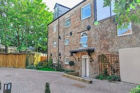 Beautifull 2 bedrrom property in Hampton Court