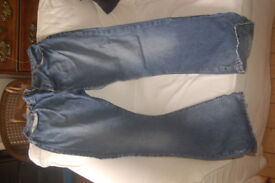 DKNY ladies blue jeans waist size 32 andlength 32 inch