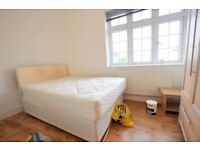 Spacious two double bedroom flat located on Golders Green Road.