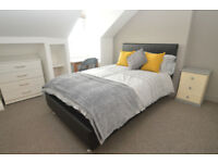 Great 4 Bed property available from 1st july idea for Students or friends sharing