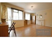 Split level 3 double bed property with private balcony and communal garden in Oval SW9